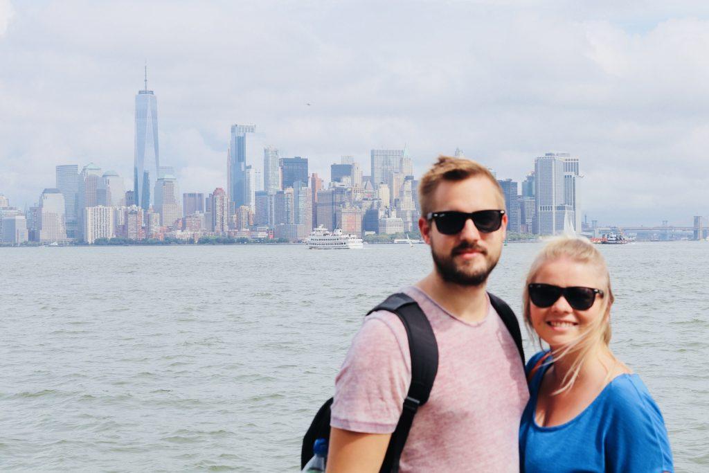 Aussicht auf die Skyline von New York von Liberty Island